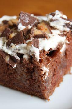 Lulu the Baker: Heath Bar Cake   This is my new favorite cake!!!