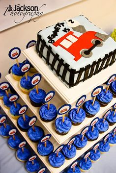 Train cake & cupcakes