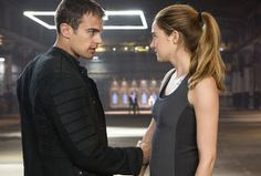 Fangirl Reviews: Divergent Book to Movie