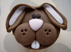 Bunny cupcake  - via Carla Machado Cake Designer's Flickr Sorry NO Instructions but would be easy to do.