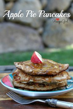 Apple #Pie Pancakes - RecipeGirl.com ☀CQ #recipes #appetizers