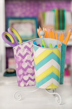 Keep organized this school year with these great desk supplies! retro chic, schools, desks, education