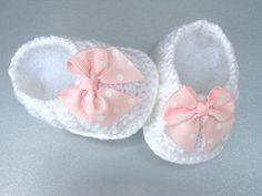 Baby Shoes Girl Baby Booties Crochet  Newborn Baby by Solnishko42
