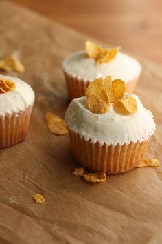 momofuku milk, vanilla cupcakes, milk cupcak, cupcake recipes, front doors, cereal bars, milk bar, cereal milk, dessert