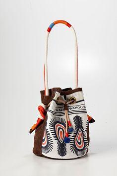 Love this tribal bag!!! ♥