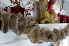 Christmas burlap garland--easy DIY