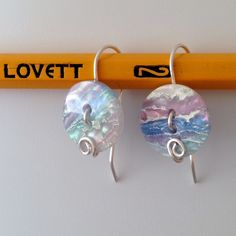 Turn some buttons into easy peasy earrings!