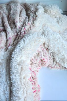 Aesthetic Nest: Sewing: The Ultimate Cuddle Blanket (Tutorial)