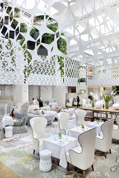 whoa, very, um, bright and fresh yet formal.  Restaurant Blanc at Mandarin Oriental, Barcelona...