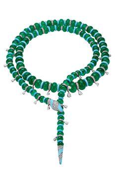 Joyas de Verano: Collar Serpenti de Alta Joyería realizado en oro blanco con 92 esmeraldas, diamantes, 61 turquesas y pavé de diamantes, de Bvlgari