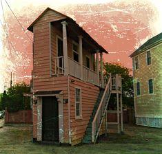Tiny Single House/Charleston SC style