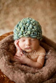 love baby hats!