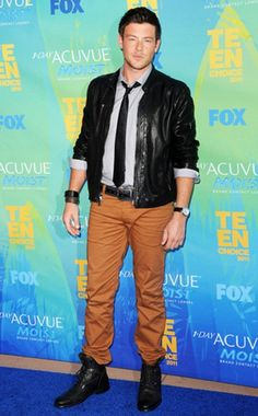 Cory Monteith looking fine at the Teen Choice Awards 2012