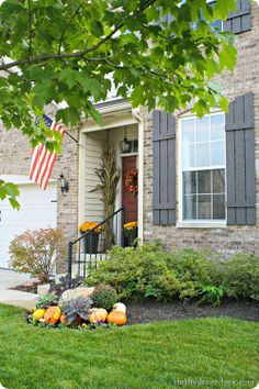 #fall front porch decor