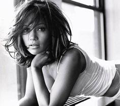 Jennifer Lopez & shoulder-length layers. I think I'm ready to go short...