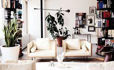 Gallery-Like International Home // Living Room