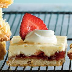 Strawberry Lemon Shortbread Bars - Yummo!