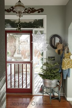 Love the snow flakes!  Holiday House Walk 2012 {Welcome To Our Home} | Jeanne Oliver