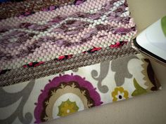 5 Steps to make bound hems on rag rugs.