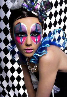 Crazy Halloween Makeup Ideas (clown,doll,halloween,makeup,facepaint,face paint,halloween makeup,halloween facepaint,halloween face paint,halloween bodypaint)