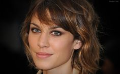 Alexa Chung Wallpapers | Daily inspiration art photos, pictures and wallpapers