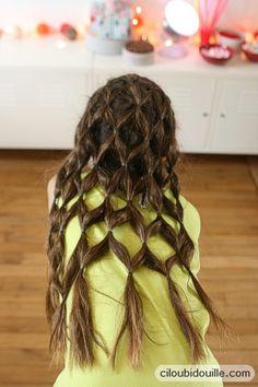 """La coiffure """"grillage"""": j'adore !!"""