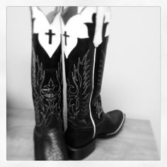 Trying out a few new custom designs this one done for @Sandra Pendle Sexton  by KLB~ Outlaw boots made by a real outlaw ;)