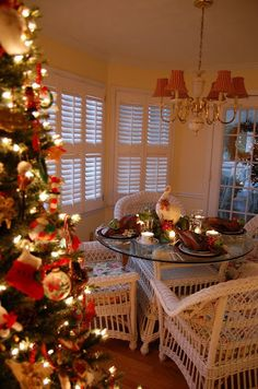 10+ Christmas Tablescapes and Ideas | Most Beautiful Pages