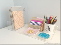 Turn a cheap acrylic frame into an instant tray! desk, instant tray, acryl frame