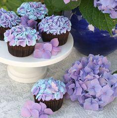cupcake bakery design, birthday parties, purple flowers, flower cupcakes, first birthdays