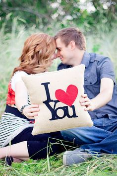 I Love You Decorative Felt I Heart You Burlap pillow! And I have just enough burlap left from my last project! So cute!!!