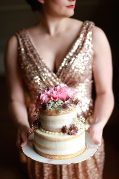 Naked cake with fresh flowers | Sarah Goodwin Photography | see  more on: http://burnettsboards.com/2014/06/vintage-travel-inspired-wedding/ #nakedcake #cake