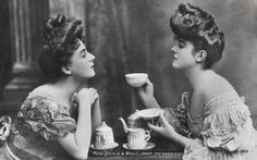 ❥ A Gibson Girl tea party~ love the tea set