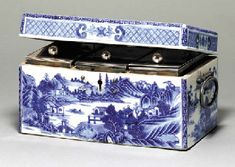 A RARE SHEFFIELD PLATE-MOUNTED BLUE AND WHITE TEA CADDY BOX   Circa 1775