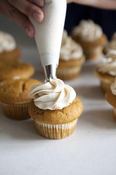 cheesecakes, cupcake recipes, pumpkin cupcakes, gluten free, cheesecak pumpkin, pumpkin dessert, pumpkin cheesecake, healthy desserts, cheesecake cupcakes