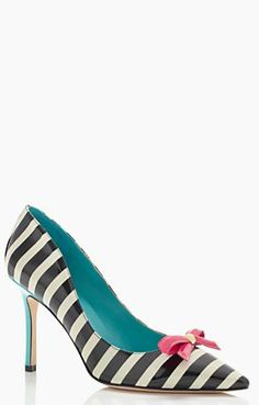 Kate Spade http://rstyle.me/n/tpebn2bn