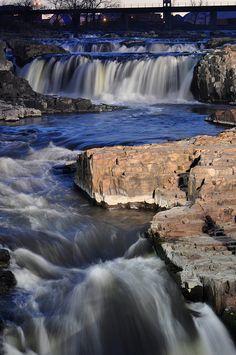 Falls Park | photo by BSevett, Flickr | Visit Sioux Falls