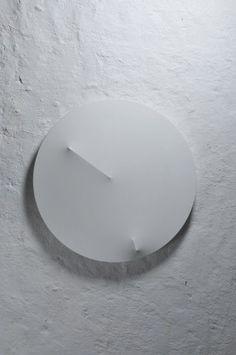 minimalist clock.