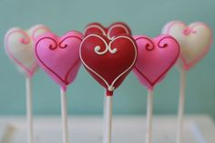 Pop cakes con forma de corazón para San Valetín