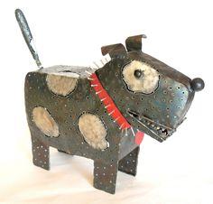 Spike the Junkyard Dog Lantern is anatomically correct.