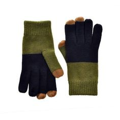 These cozy gloves use a nano-metallic conductive yarn to provide sensitive and precise control for working with touchscreen devices.