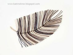 Katrinshine: Handmade yarn feather DIY