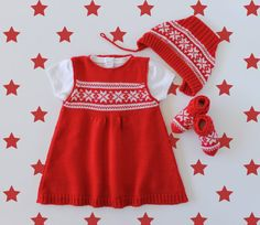 Knitted baby dress and socks with jacquard in red by tenderblue