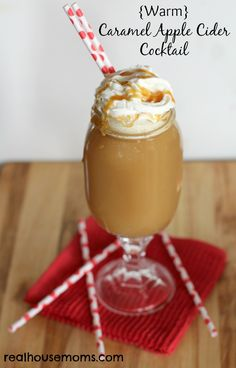 {Warm} Caramel Apple Cider Cocktail | Real Housemoms | Perfect fall drink that is easy to make