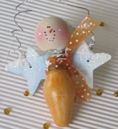 Cute and easy: angel ornament from christmas bulb