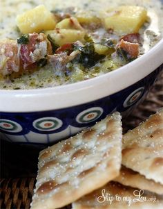 Zuppa toscana copycat recipe. Perfect for cold weather! www.skiptomylou.org #soup #zuppatoscanarecipe #bestsoup