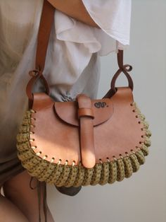 Thick leather and crochet beige cotton cord bag