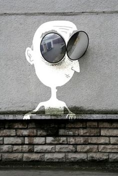 grafitti - street art - mirror googly eyes