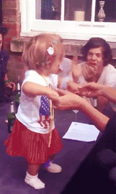 Lux and Harry part 2 *dies* {GIF}