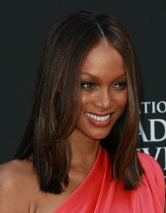 Tyra Banks long hairstyle at the 2009 Daytime Emmy Awards